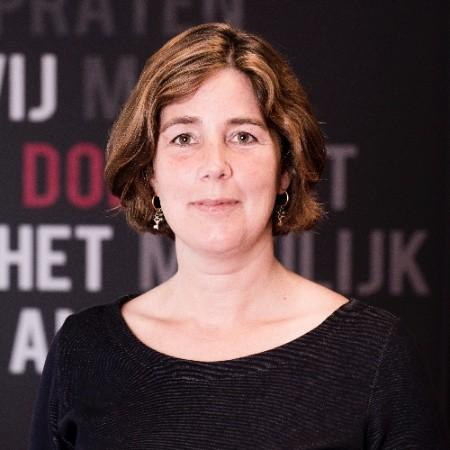 Esther Brons-Stikkelbroeck